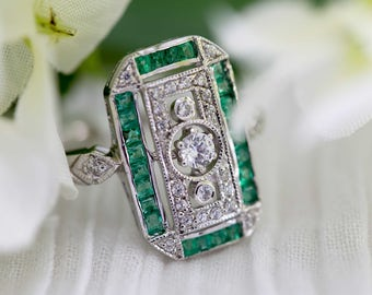 Green emerald and silver ring in Art deco design - Vintage engagement ring, custom setting and stone