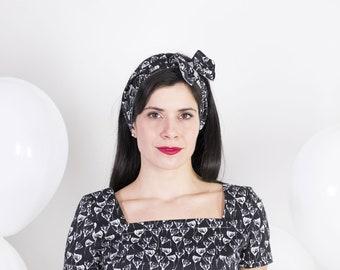 Pinup head wrap – Top knotted headband - 50s floral cotton headband – Black and white vintage headband – Wide headband - Reversible headband