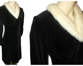 Vintage 1950s Dress Black Velvet White Mink Fur Collar Full Skirt Rockabilly Dress M 38 chest