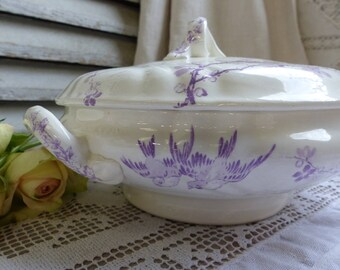 Antique french lavender transferware small tureen. Lavender transferware covered serving dish. Violet. Birds. Romantic French Nordic decor