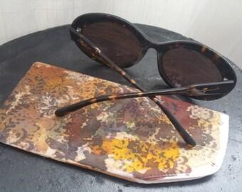 Sunglass/eyeglass case. 100% Silk hand painted.