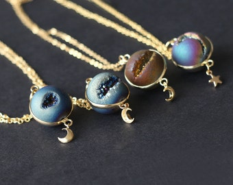 space necklace, Planet Necklace, agate necklace, Universe Necklace, Cosmic Jewelry,  Astronomical Jewelry, moon and star