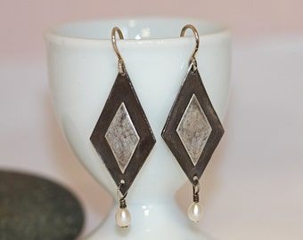 Sale geometric sterling earrings with white pearl