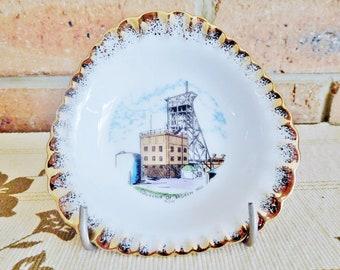 Westminster Australia souvenir porcelain gilt edged pin dish, Broken Hill, 1960s, souvenirware