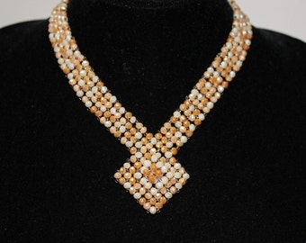 Elegant beading and Crystal Necklace docolletè
