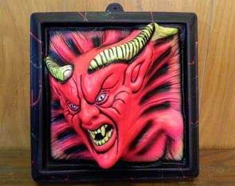 1994 R. Marino Blacklight Illusions Halloween 3-D Devil Fluorescent Wall And Door Decoration