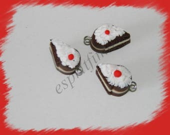 """""""Black Forest"""" charm in polymer clay"""