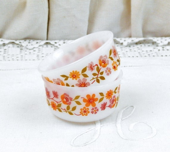 2 Matching Vintage Acropal Ramekins with Orange Flower Pattern in White Milk Glass, 1970s Tableware from France, Retro Kitchen Cooking