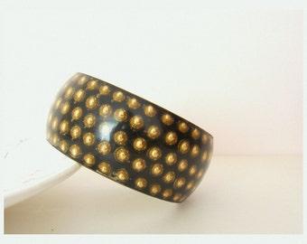 Vintage Mid-Century Black Bakelite Lucite Brass Bangle /  Heavy Boho Bracelet