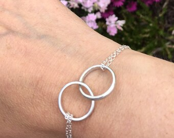 925 Sterling silver linked rings bracelet