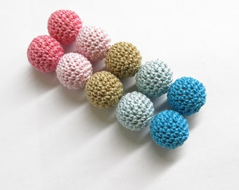 Crocheted beads, 20mm, handmade round balls pink blue sand mix, 10 pc.