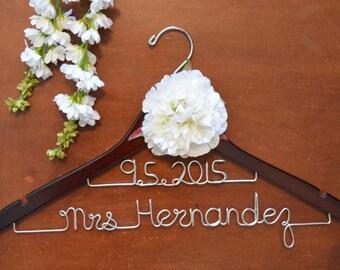 Personalized 2-Lined Custom Name Hanger with flower, Bride Dress Hanger, Bridal Shower Gift