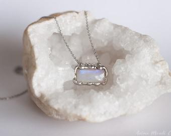 Moonstone necklace, June birthstone, Rainbow Moonstone Gift pendant for her, Solder Moonstone pendant, Blue Moonstone jewelry, Moon jewelry
