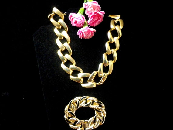 Large square link gold tone retro necklace and similar bracelet