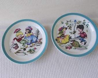 BARRATTS OF Staffordshire England Decorative Plates