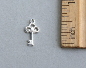 Key Charm, Silver Key Charm, 925 Sterling Silver Key Charm, Tiny Sterling Silver Key, Tiny Skeleton Key Charm, Key Pendant, 20mm ( 1 piece )