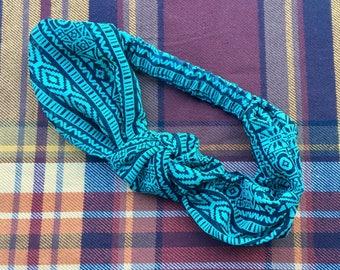 Green Aztec Knot Elastic Headband