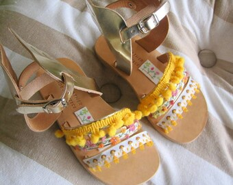"Sandals for kids with wings Gold / Baby sandals/ Natural Greek Leather sandals / Slingback Slides/Strap Sandals - ""Bumblebee"""