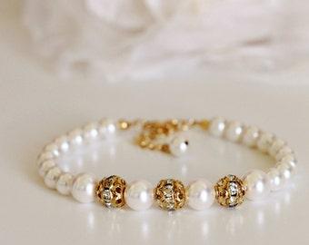 Swarovski Pearl and Crystal Bracelet Wedding Bracelet Gold Bridesmaid Bracelet Gold Wedding Jewelry Bridesmaid Gift Pearl Bridal Bracelet
