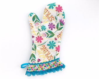 Hello Spring Floral Oven Mitt. Cute Kitchen Pot Holder. Colorful Flowers, Blue Lace. Mother's Day Baking Gift. Gifts for Her.