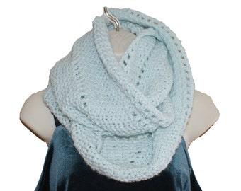 Womens Cowl, Crochet Cowl, Infinity Cowl, Winter Neckwarmer, Winter Cowl, Circle Scarf, Eternity Cowl, Blue Infinity Scarf, Blue Scarf