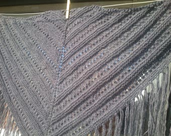 Shawl knitted by hand