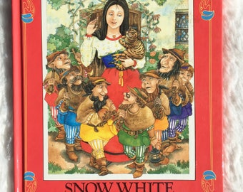 Snow White And The Seven Dwarfs And Other Stories||1986 vintage children's book, fairy tales book, storybook, fairy tales picture book