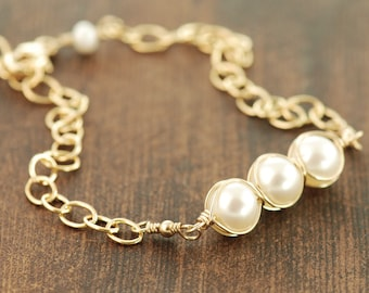 Pearl Birthstone Bracelet in 14k Gold Fill or Sterling Silver, Handmade Gemstone Wedding Jewelry, Layering Bracelet