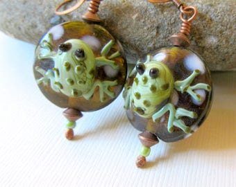3D Frog Earrings, Lampwork Frog Earrings, Green 3D Frogs, Frog Jewelry, Summer Earrings, Garden Earrings, Nature Earrings