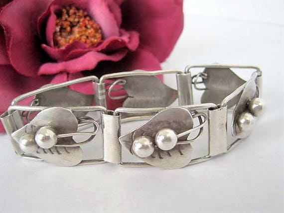 Sterling Mexico Bracelet, Signed Mexico,  Repousse Hearts Links