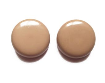 2 large beige 28 mm round vintage buttons