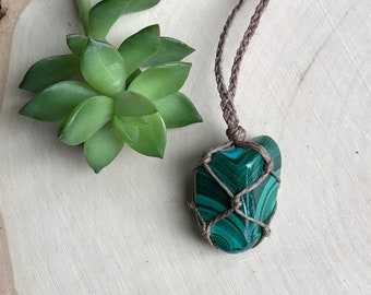 Rare Green Malachite Crystal Necklace - Healing Crystal Pendant - Bohemian Hippie Jewelry - Gypsy Style - Healing Stone - Hemp Necklace
