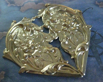 1 PC Raw Brass Floral Pierced Heart Stamping / Extra Large - DD02