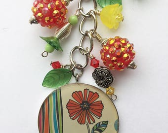 Flower beaded keychain purse charm - Spring of 1963 - Red, yellow and green key ring flower purse / backpack dangle charm zipper pull