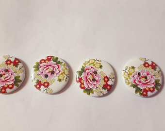 set of 4 large buttons with flowers