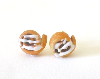 Stud Earrings - cinnamon roll polymerclay
