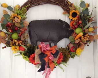 Pig Decoration-Bar B Que Decoration-Pig Wreath-Pig Wall Decor-Restaurant Decor-Pork Chops-Country Wreath-Barnyard-Pigs