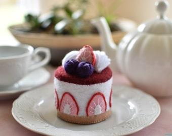 Felt cake strawberry