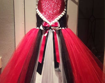 Queen of hearts tutu dress age 6-9 years