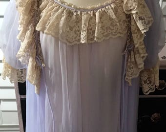 Vintage Lingerie Set, RARE Ro-Vel of California Orchid Purple Robe and Nightgown with Lots of Layered Ecru Lace size Medium Huge Sweep!