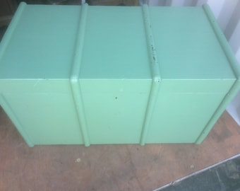 Painted pine green banded trunk