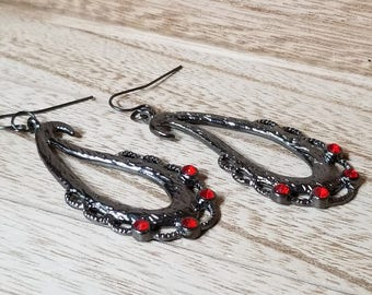 Handmade Dangle earrings, Black, Red, Beaded Jewelry