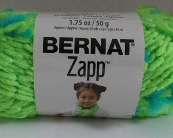 "Bernat Zapp Yarn "" Grass is Greener "" #6 Super Bulky 50 grams ~ 54 Yards ~"