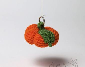 Schlüsselanhänger Kürbis Pumkin orange gehäkelt crochet