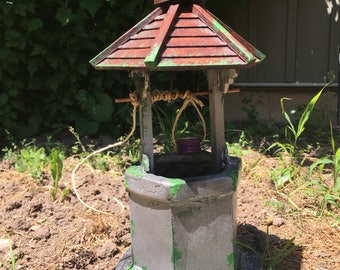 Once Upon A Time Storybrooke Enchanted Wishing Well small scale replica