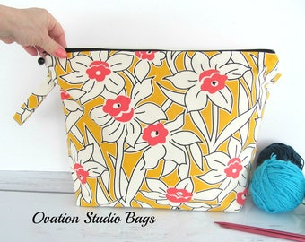 Knitting Project bag, Spring daffodil knitting bag, Zipper Yarn bag,  Crochet project bag, Mother's day gift for knitter
