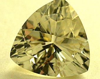 GOLDEN SUNSTONE Faceted trillion Vintage Gemstone 4.92 cts fg74a
