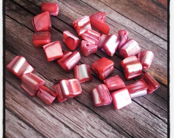 set of 25 6mm Red Square shell beads