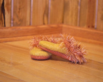 hand knit yellow/orange 100% wool child's slipper