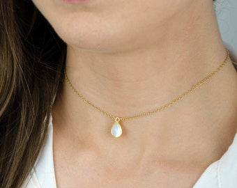 Dainty Pearl Choker Necklace, Simple Gold Choker Necklace, Sterling Silver Bridesmaid Necklace Pearl Necklace Gold Delicate Choker Necklace